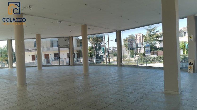 Interno Locale commerciale open space