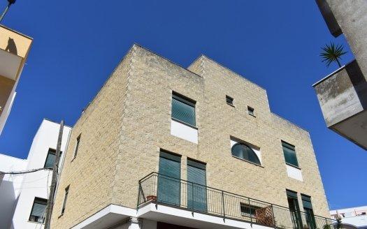 Appartamento arredato a Casarano in zona centrale