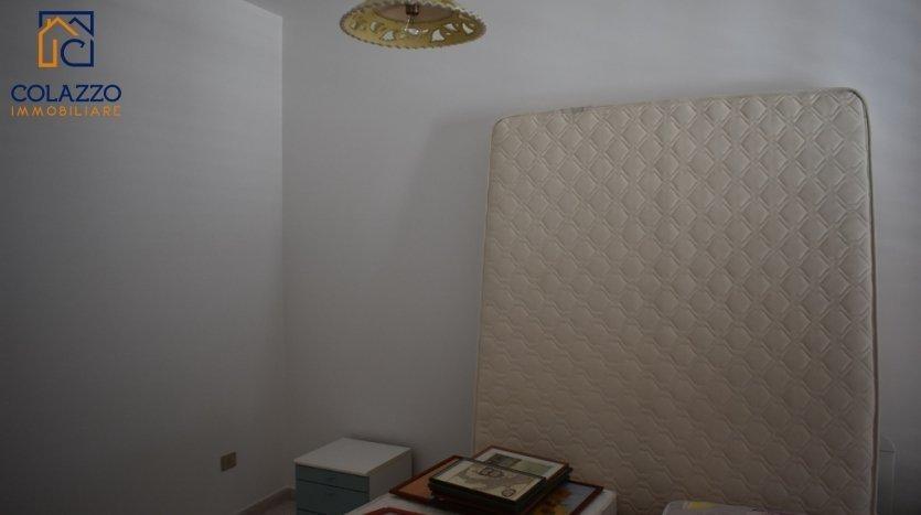 Camera da letto matrimoniale casa Torre San Giovanni