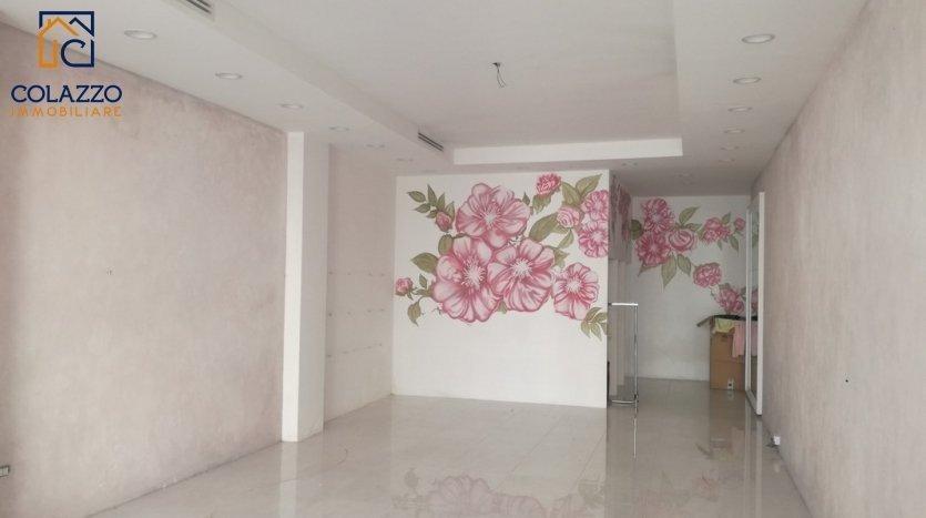 interno con decoro Via Roma Casarano affitto locale Commerciale