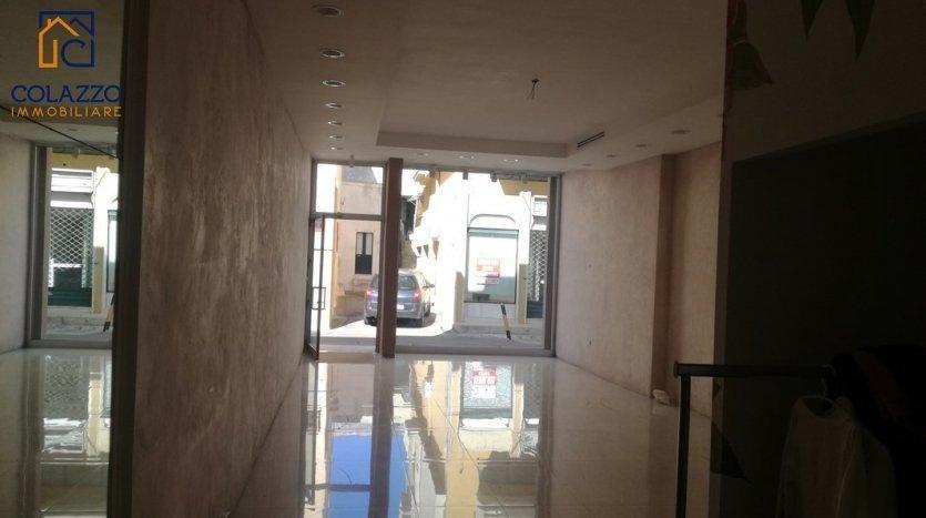 Via Roma Casarano affitto locale Commerciale