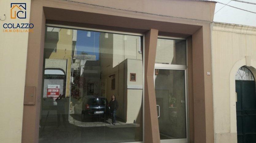 Vetrata Via Roma Casarano affitto locale Commerciale